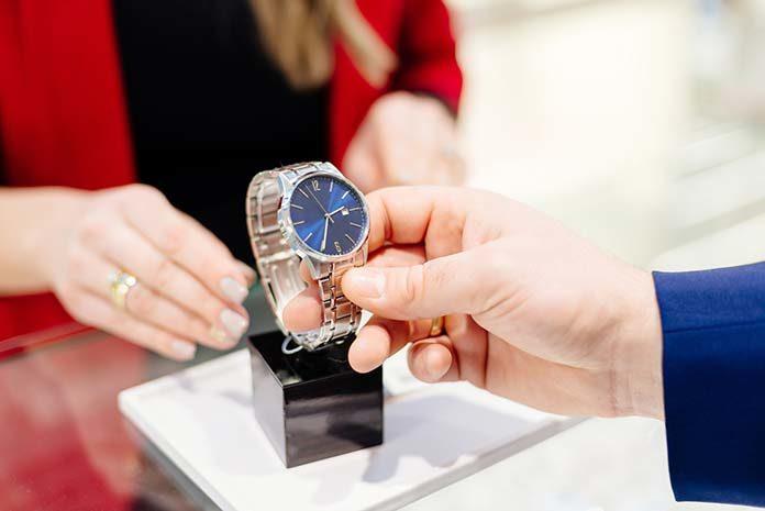 Kultowy zegarek TAG Heuer Carrera 1887